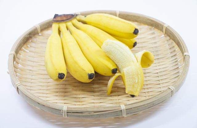 ザルの上にあるバナナ 奈良整体カイロ